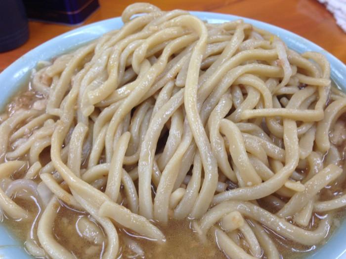 ラーメン二郎の麺