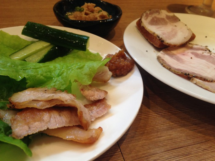 ハム、豚とろ、もつ煮