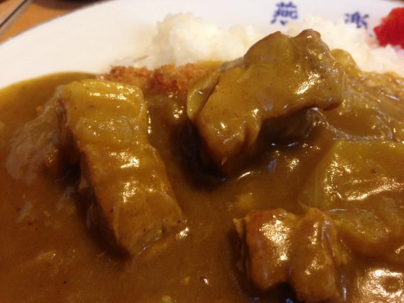 燕楽 カツカレーのお肉