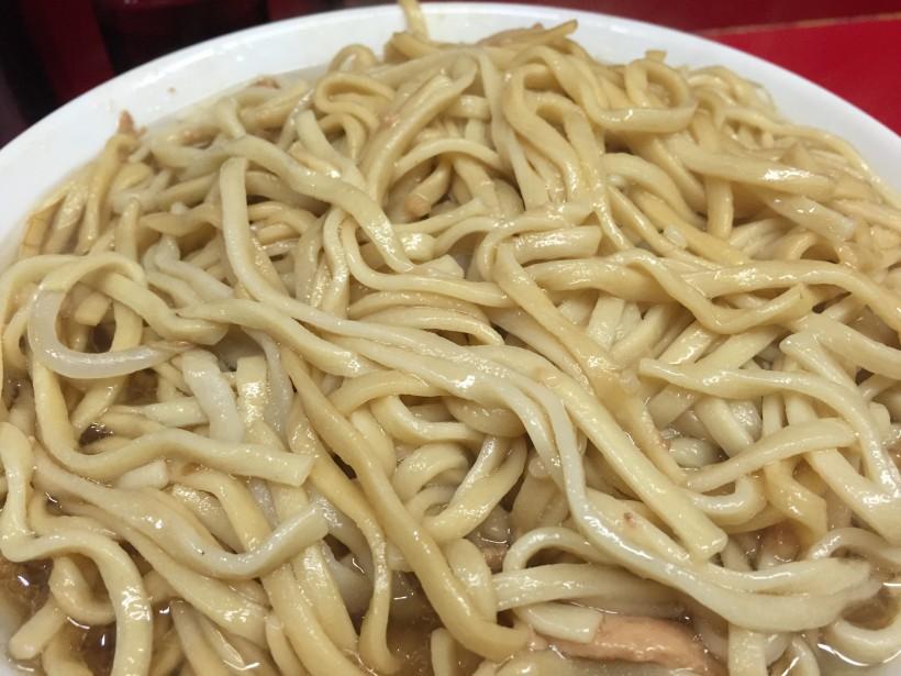 ラーメン二郎 西台駅前店の麺