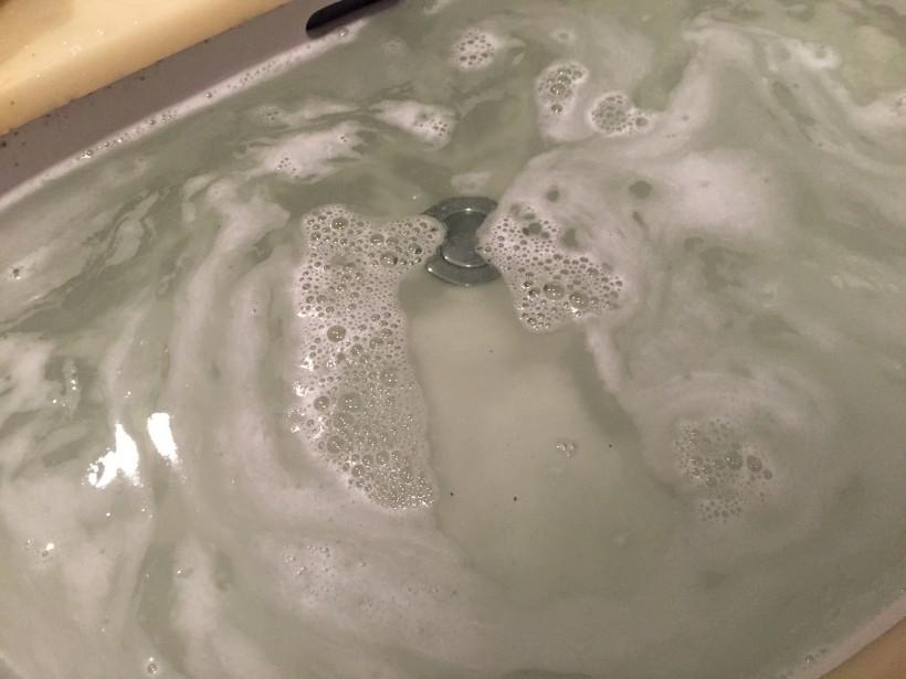 生デニムの洗い方~漬けおいた水
