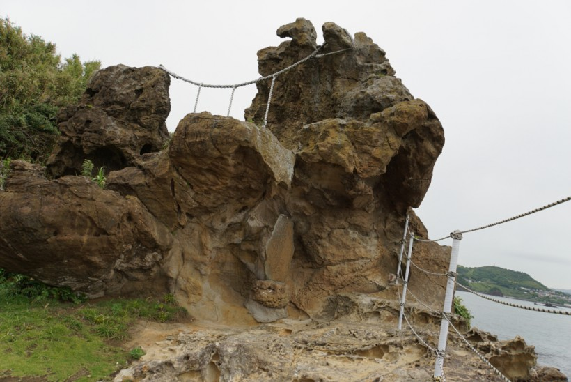 神楽岩 仁右衛門島