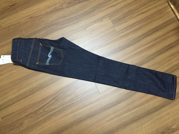 NudieJeans Thinfinn Dry Ecru Embo