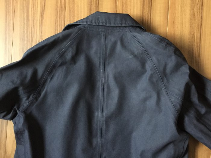 nanamica GORE-TEX Soutien Collar Coat(ナナミカ ゴアテック ステンカラーコート) 背面 ラグランスリーブ