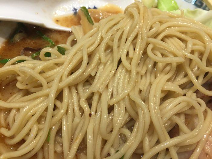 桂花ラーメン 太肉麺 ターローメン 麺