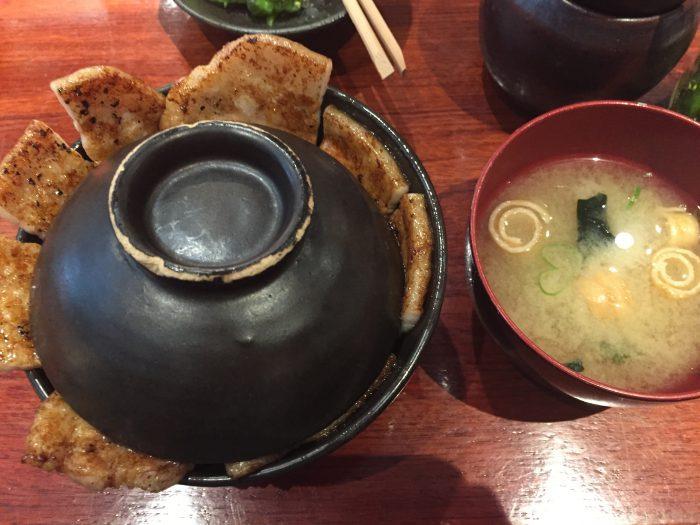 豚っく 十勝豚丼 味噌汁