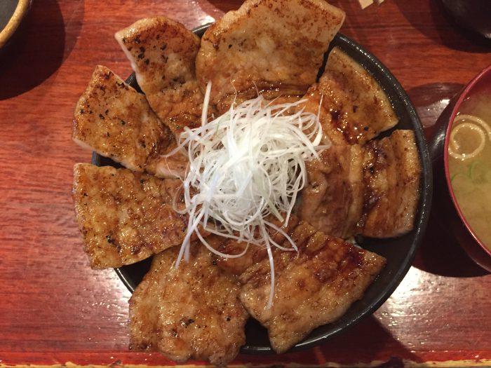 豚っく 十勝豚丼