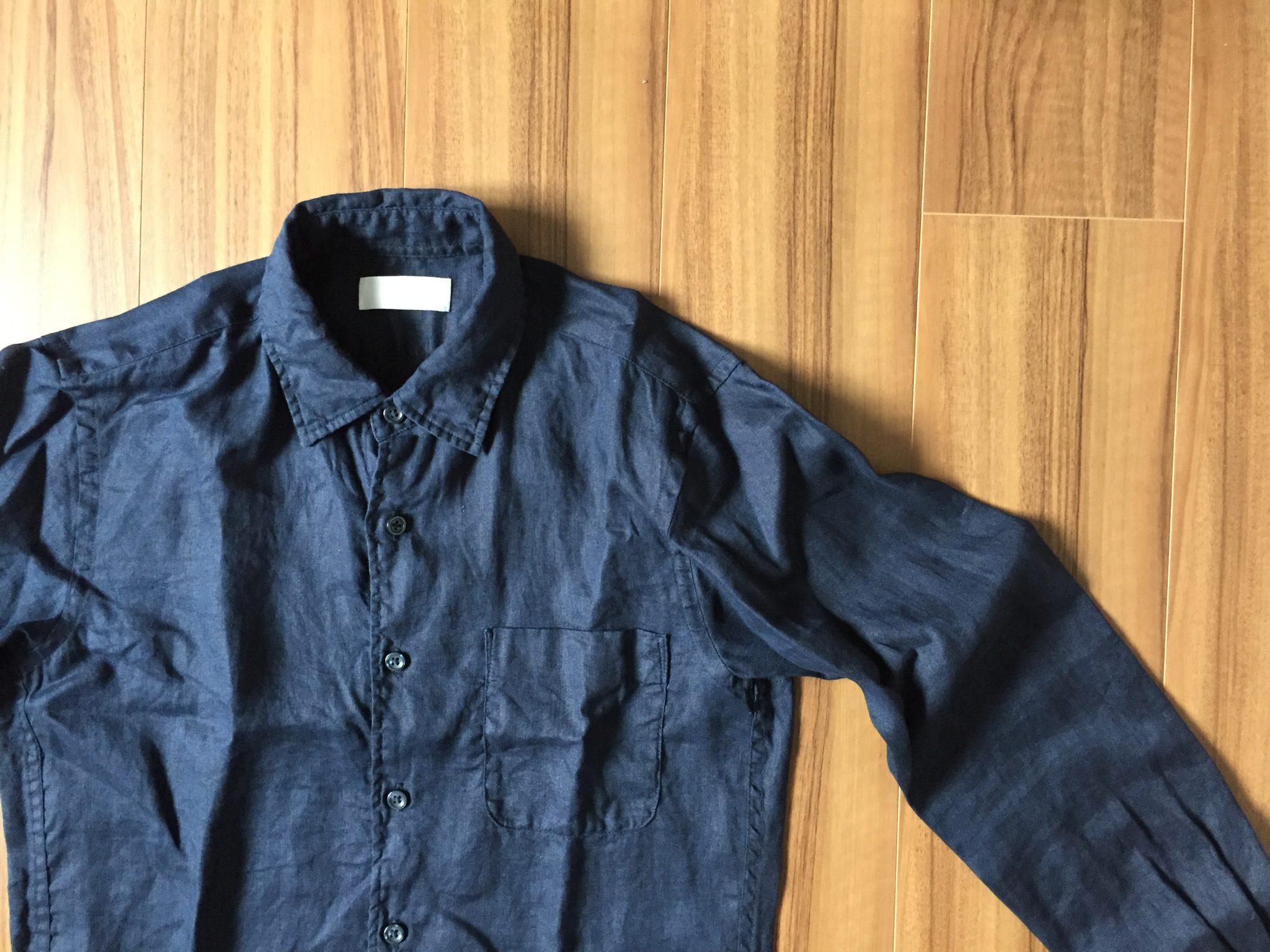 ネイビーのリネンシャツのエイジング(経年変化)の過程を記録しておきます