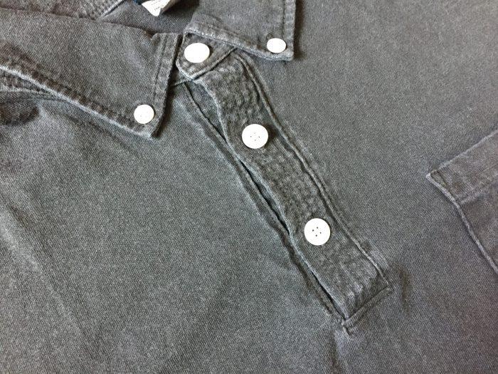Good On(グッドオン)ピグメントダイ ショートスリーブポロシャツ ブラック エイジング 経年変化 1か月 襟 ボタン周辺