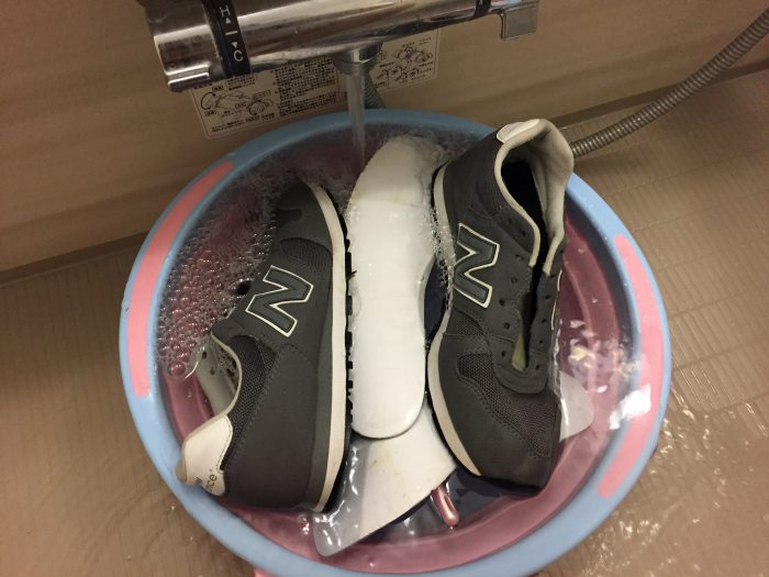 New Balance ニューバランス 手洗い クリーニング メンテナンス お手入れ すすぎ