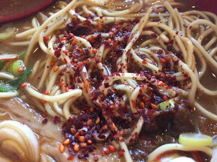 徳島ラーメン 麺王 薬味 辛味