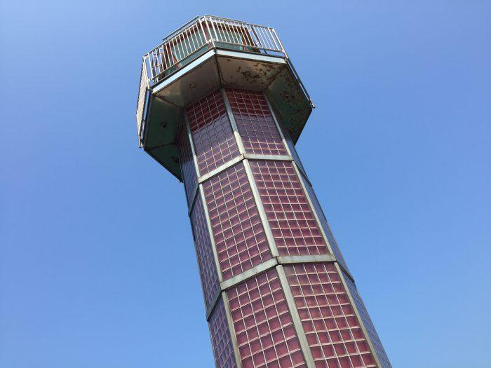 高松港玉藻防波堤灯台 赤灯台