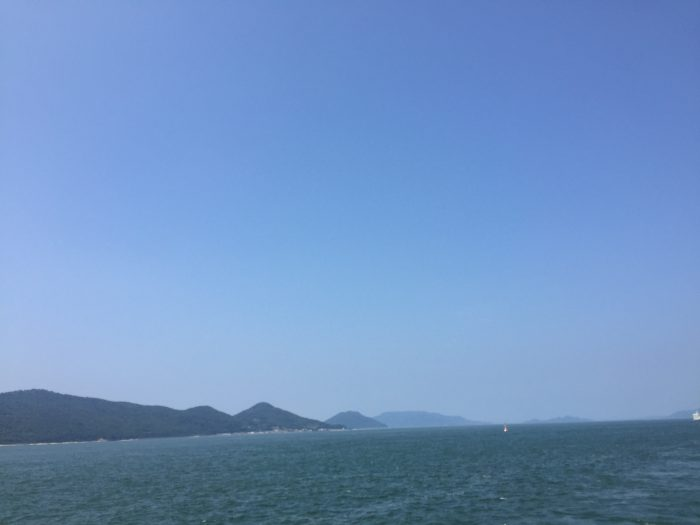 高松港玉藻防波堤灯台 赤灯台 先端 海 空
