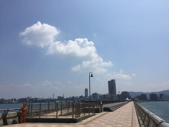 高松港玉藻防波堤灯台 赤灯台 戻る道 風景