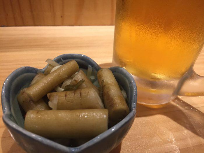 青砥 小江戸 生ビール ゴボウの漬物