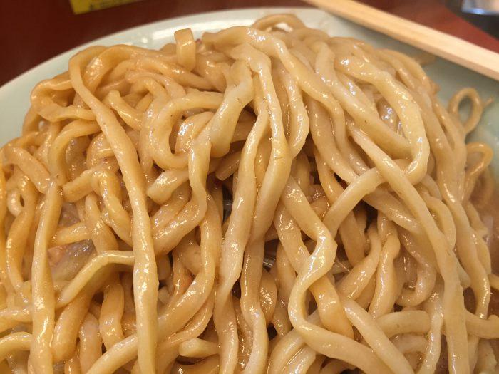 立川マシマシ ラーメン 豚マシ 麺