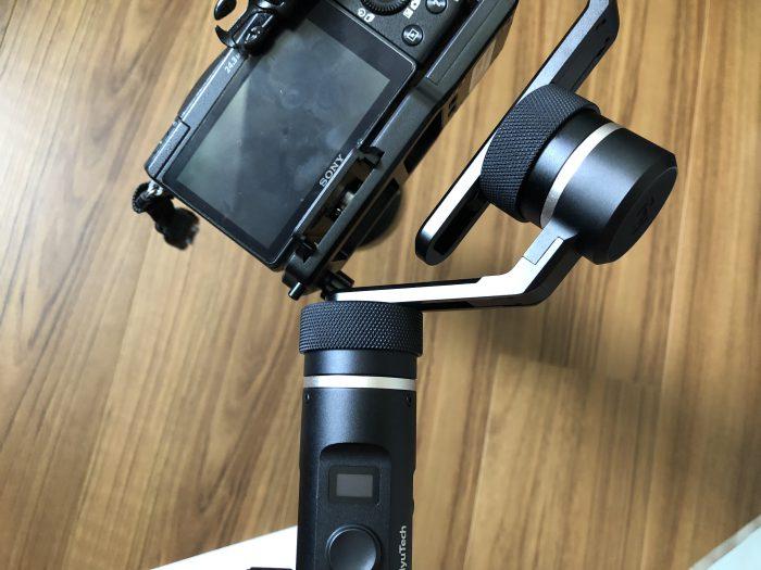 Feiyutech(フェイユーテック) G6 PLUS カメラの取り付け α5100 パン軸 調整