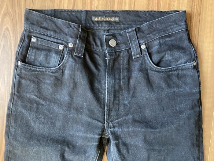 ヌーディジーンズ シンフィン ブラックデニム(NudieJeans ThinFinn BlackRing)のエイジングの様子 ヒゲ