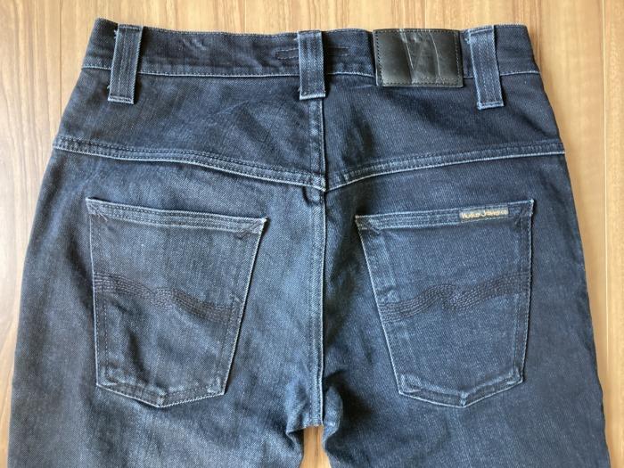 ヌーディジーンズ シンフィン ブラックデニム(NudieJeans ThinFinn BlackRing)のエイジングの様子 ヒップ 尻
